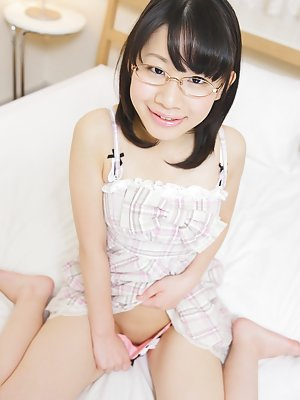 Asian Teens Pics